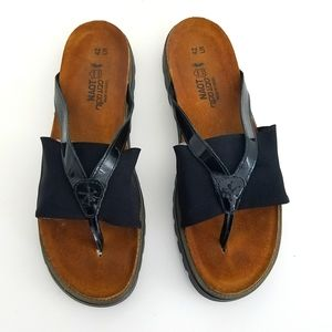 NWOT Naot Orion Sandals Leather Thong Black 42